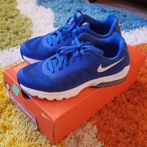 Nike Air Max Invigor Running Shoes